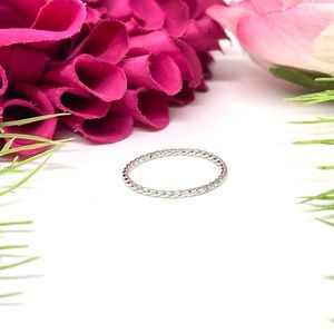 NEW⚜️STERLING SILVER Twisted Spiral Little Ring
